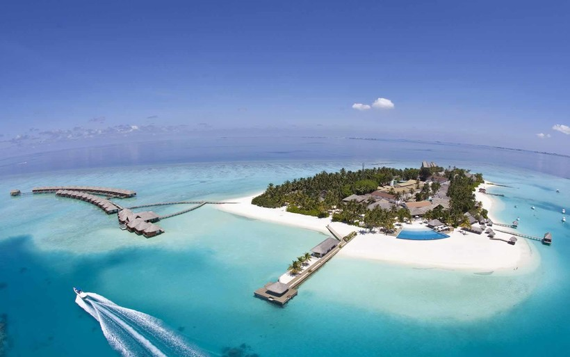 Центр водных видов спорта в Velassaru Maldives