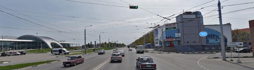 Аэропорт <span class='relinker'>Белгород</span> и остановка напротив