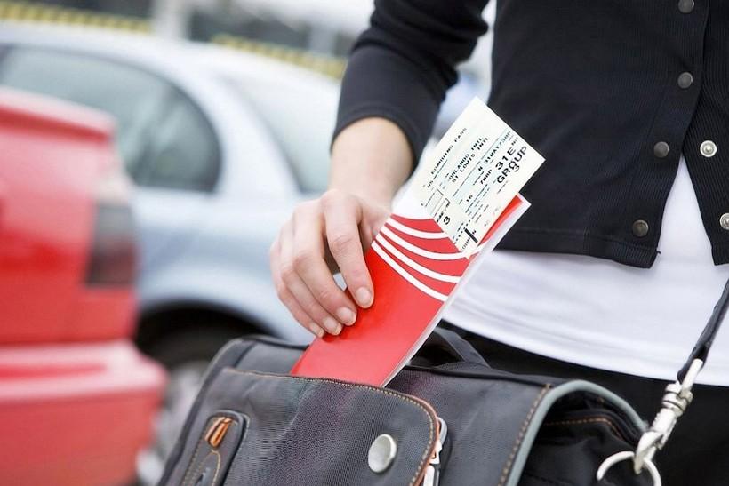 Нужно ли распечатывать электронный билет на самолет?