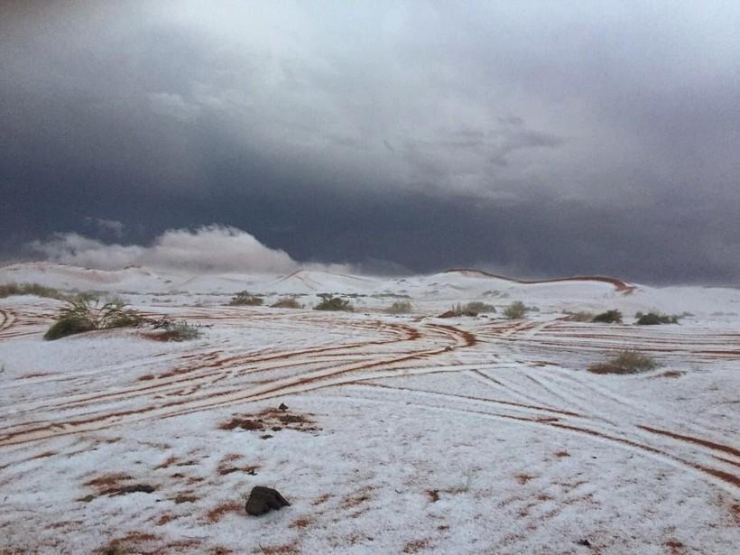 Зима близко: в Саудовской Аравии выпал снег