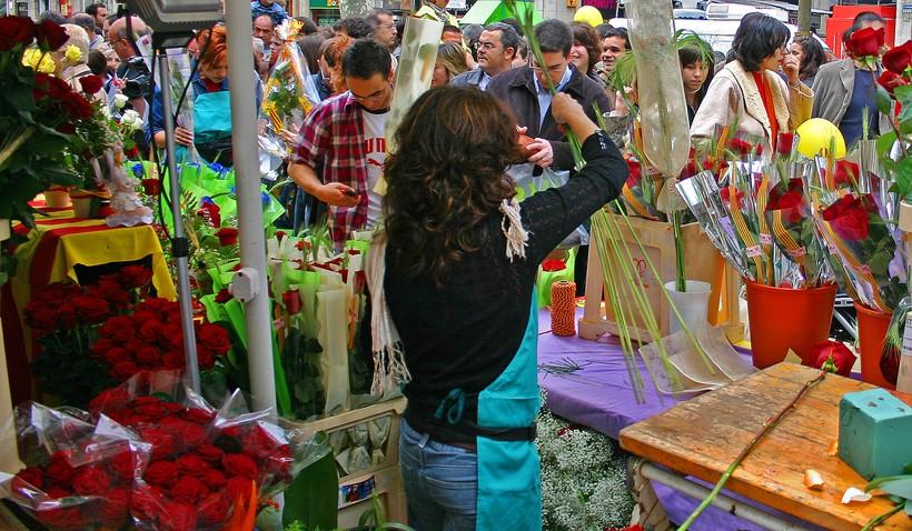Очереди за цветами в День святого Георга, Барселона