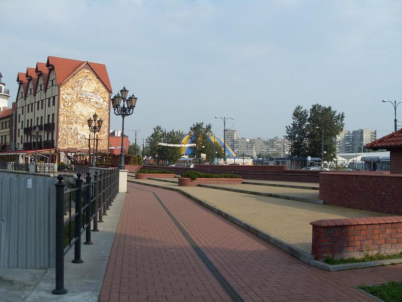 У Рыбной деревни, Калининград