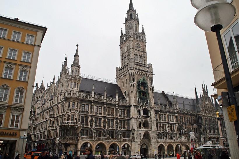 Мариенплатц - центральная площадь Мюнхена