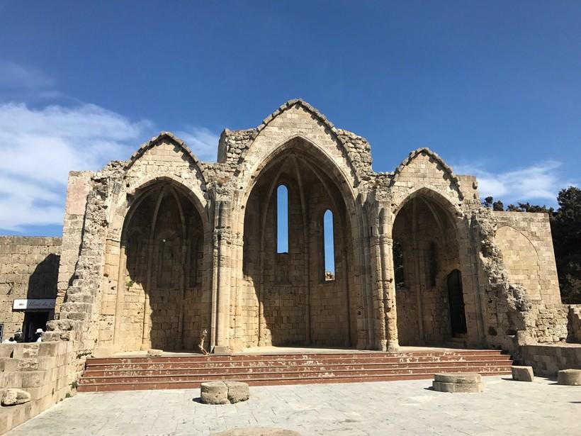 Древняя церковь на Родосе