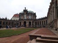 Цвингер, Дрезден в апреле