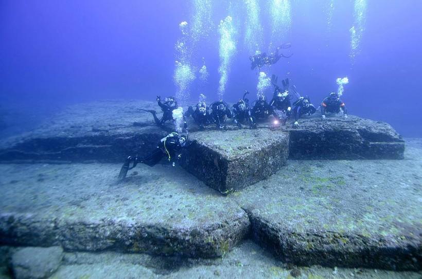 Загадка острова Йонагуни: кто построил подводный город у берегов Японии
