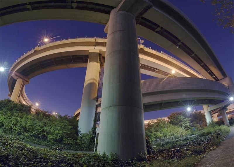 20 немыслимых дорожных развязок из Японии, которые поразят даже опытного водителя