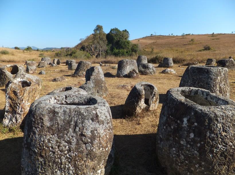 СМИ Лаоса сообщают, что РФ и Лаос построят военный аэродром в `Долине Кувшинов` (местность получила свое название в честь каменных горшков возрастом до 2000 лет у подножья Аннамского хребта).