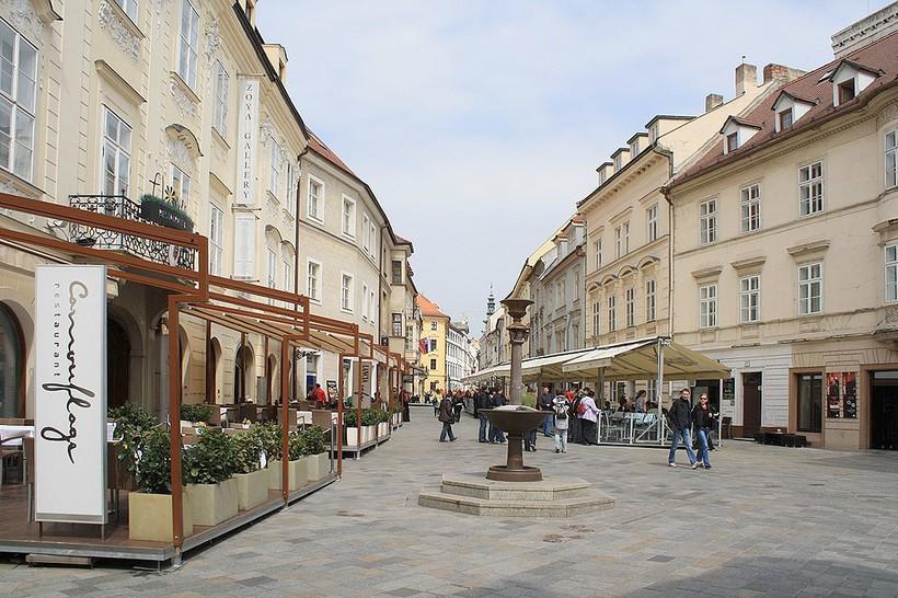 Панская улица: прогулка по Старому городу