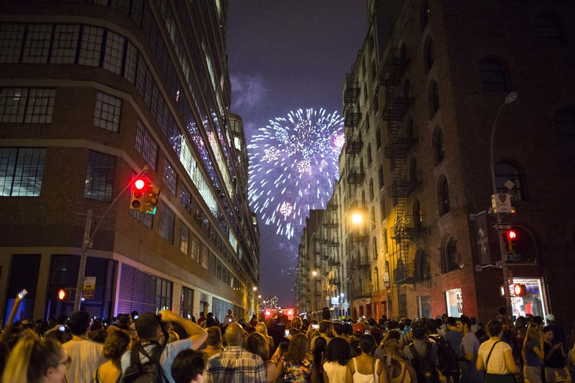 Фейерверк на День независимости в Нью-Йорке