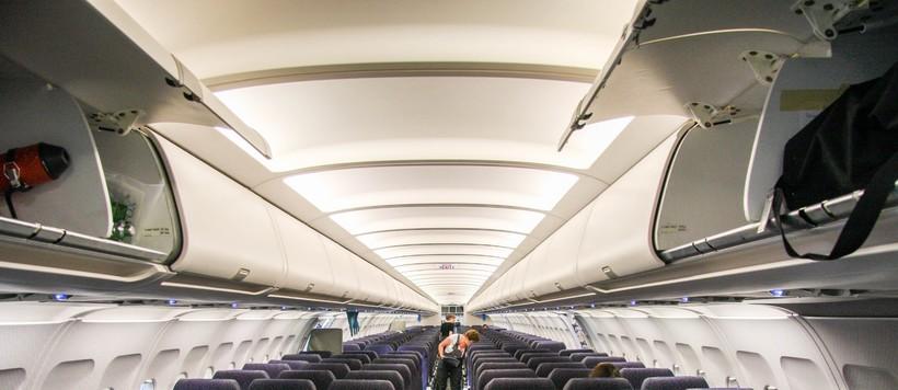 салон самолёта Airbus A321