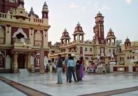 Дели: экскурсия на территорию храма Лакшми-Нараяна