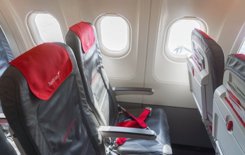 салон самолёта авиакомпании AustrianAirlines
