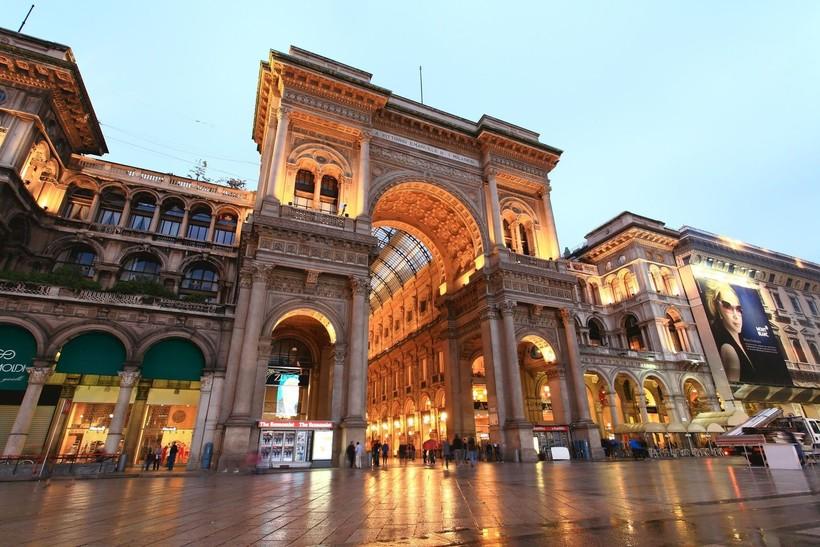 Милан: по дороге в галерею Виктора Эммануила