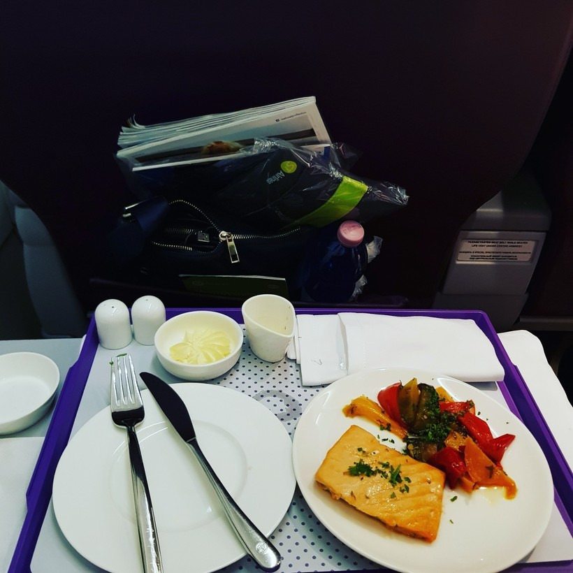 питание для пассажиров бизнес-класс на самолёте авиакомпании S7Airlines