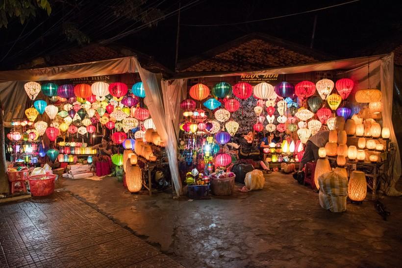 Фестиваль фонариков Хой Ан (март)