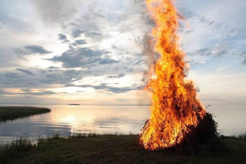 Сжигание Коку - кульминация праздника Юханнус.