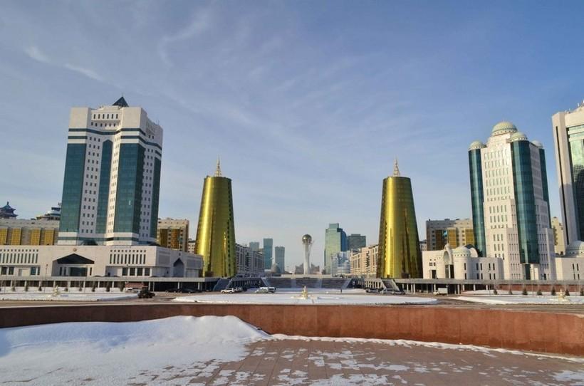 Центр февральской Астаны.