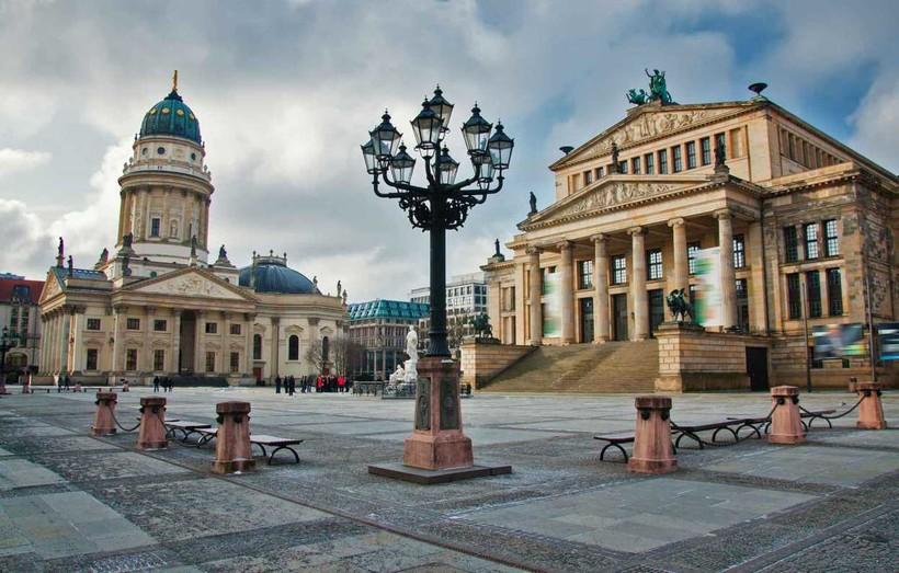 Берлин: вот так тоскливо в марте в центре города!
