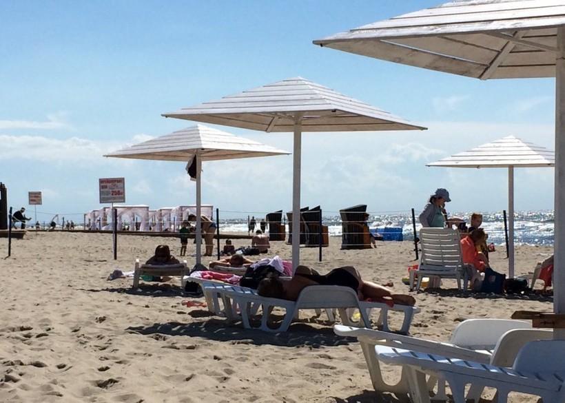 Пляж п. Янтарный в июле, Калининград.