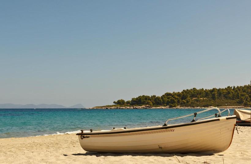 Афон: на пляже ни души
