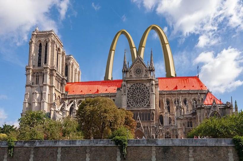 9 нелепых проектов, предложенных архитекторами для реставрации Нотр-Дама