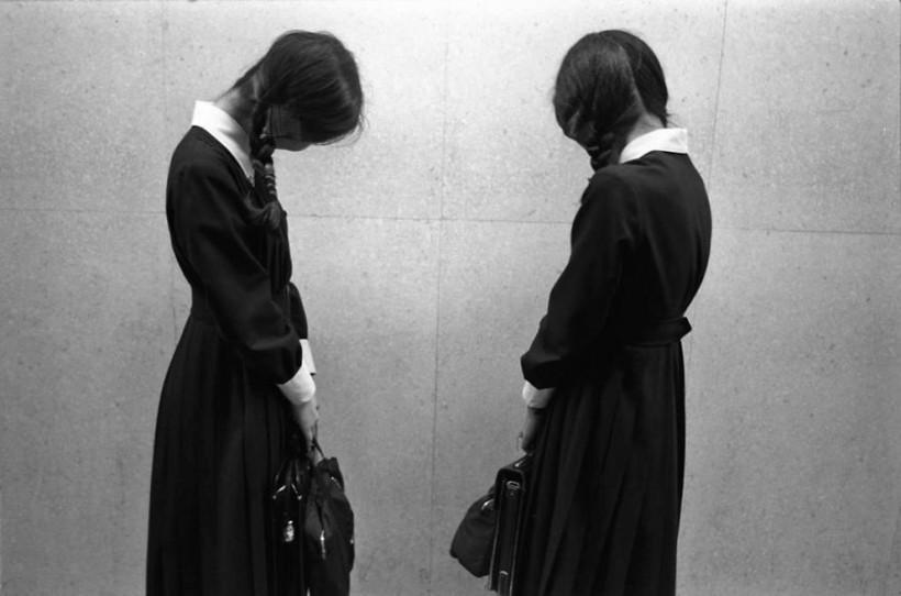 Две школьницы, 1979