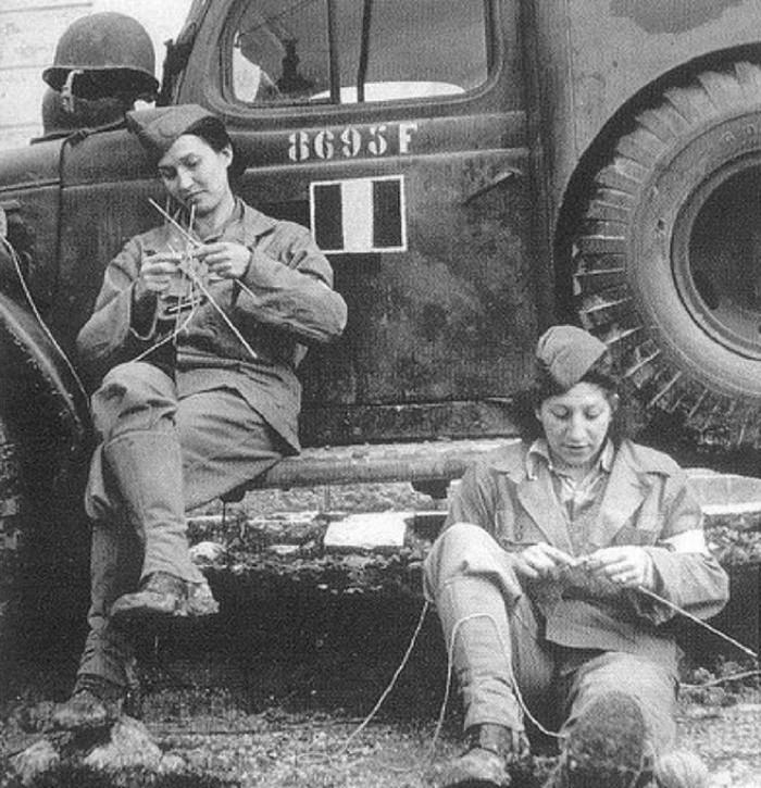 Как во время войны шпионили за врагами с помощью вязания