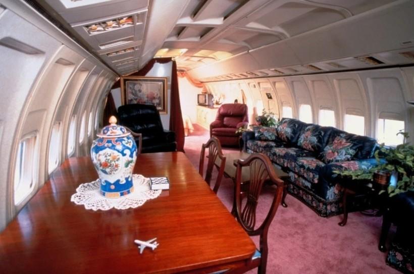 8 фото самолета, который одна американка превратила в классный дом
