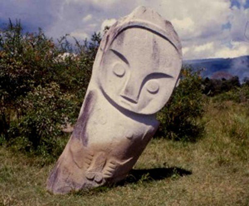 Для чего были созданы загадочные мегалиты долины Бада в Индонезии