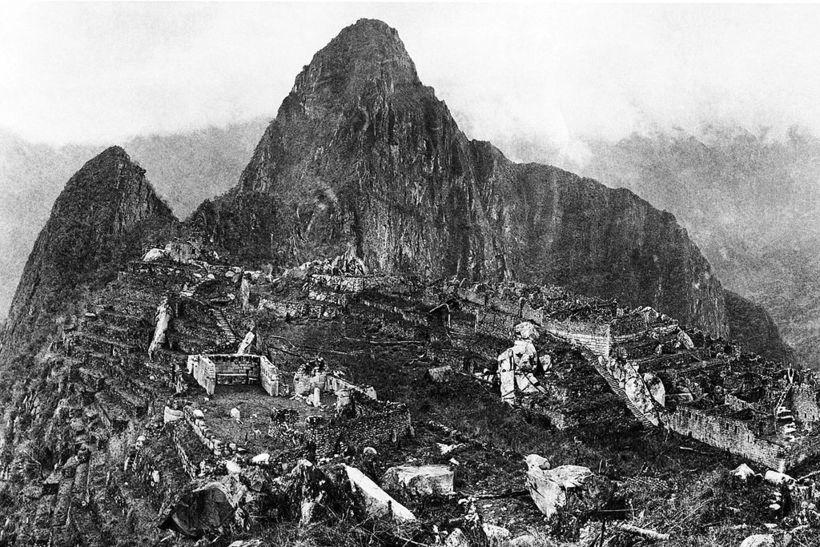 История в фото: первый снимок Мачу-Пикчу, еще заросшего джунглями