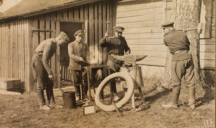 Походная кузница во времена Первой мировой войны