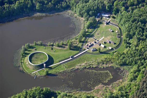 Останки поселений до сих пор сохранились вдоль реки Эльбы