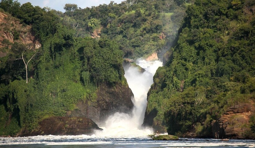 Водопад Кабарега в Уганде