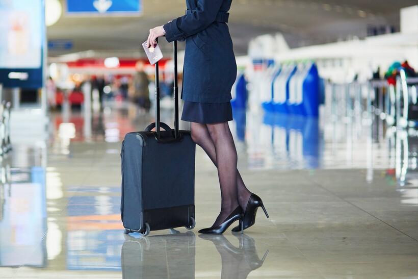 Все свое ношу с собой: 5 вещей, которые всегда есть в чемодане стюардессы