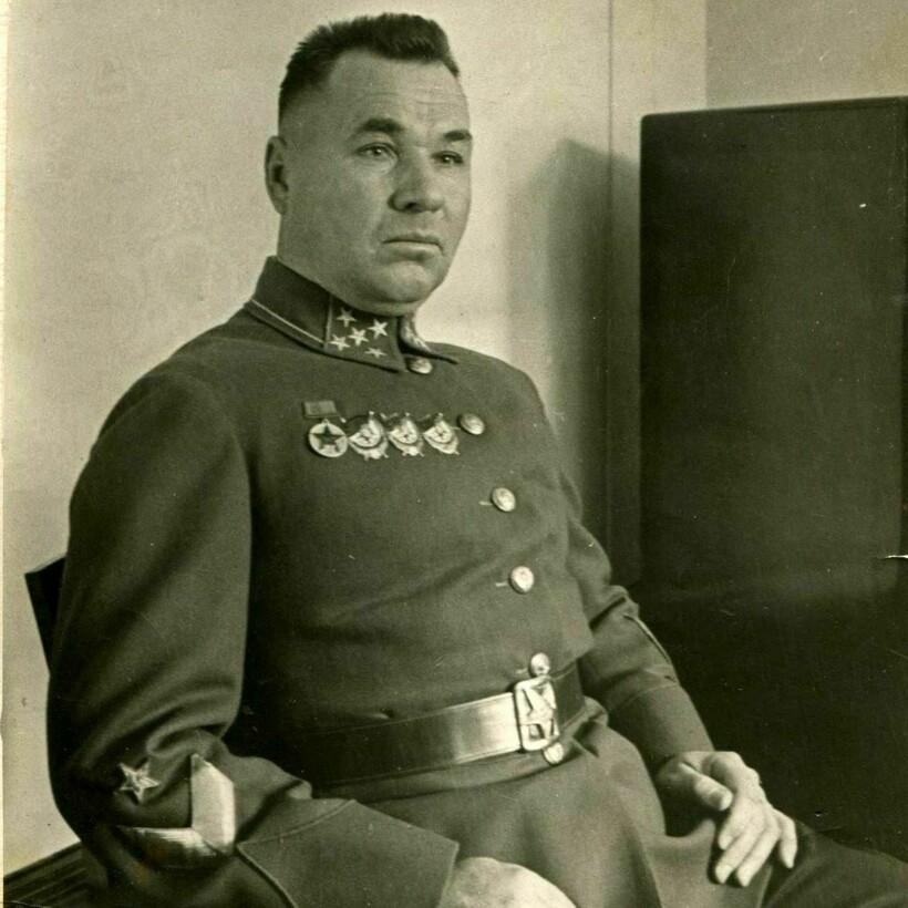 Командующий Дальневосточным фронтом И. Р. Апанасенко