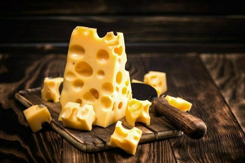 В швейцарских сырах дырок стало меньше
