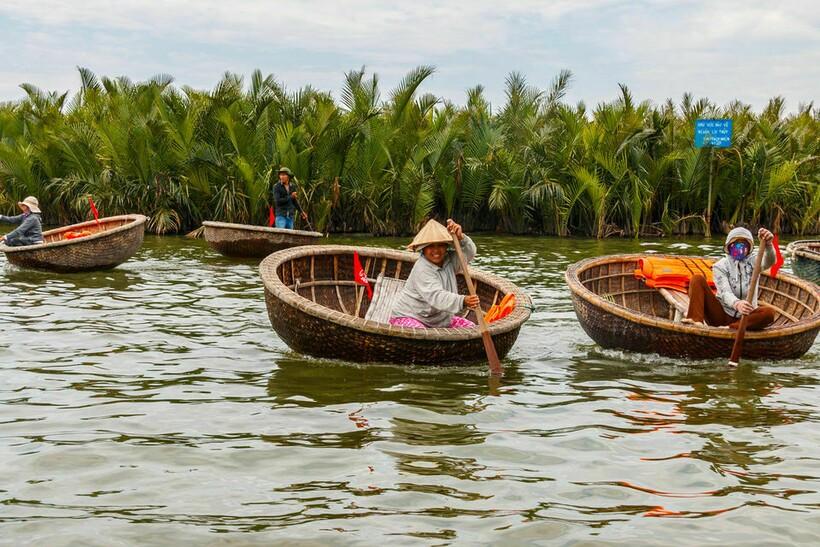 Впоследствии лодки стали частью жизни вьетнамцев. Фото: static2.tripoto.com