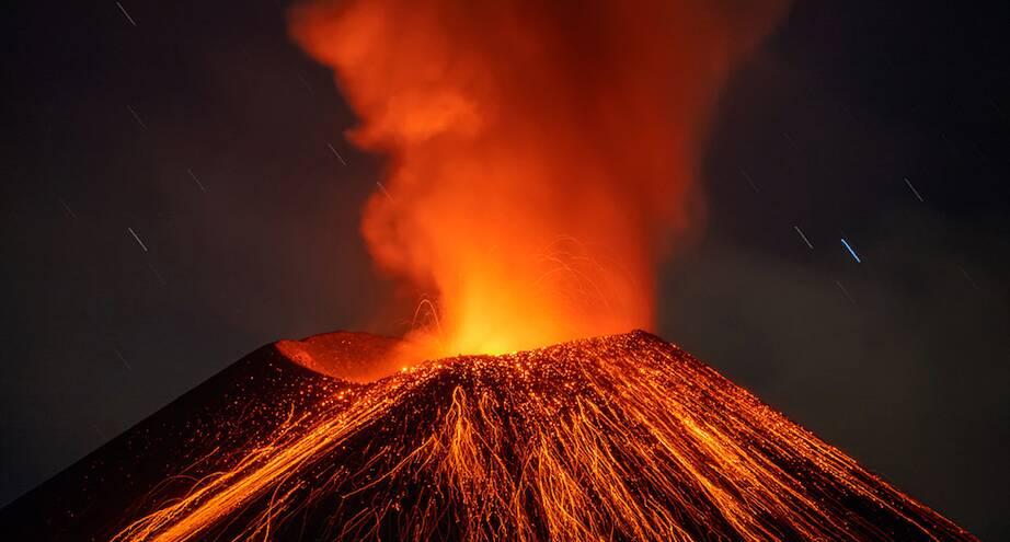 Фото дня: голос вулкана
