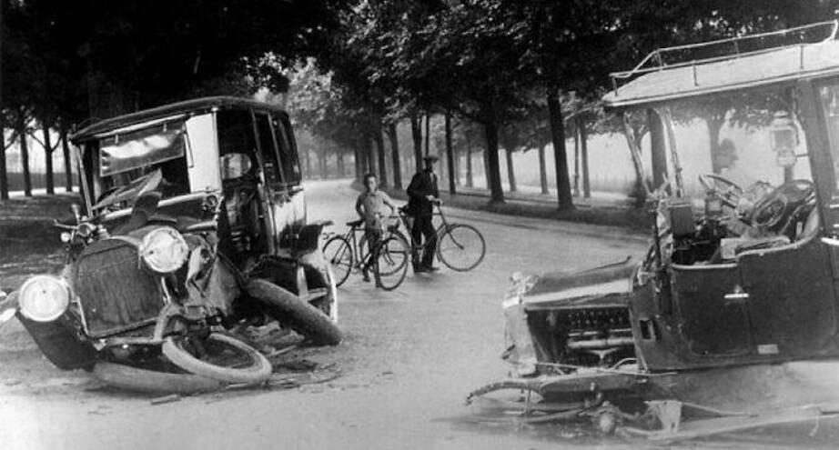 Фото дня: возможно, самое первое фото ДТП, 1914 г.