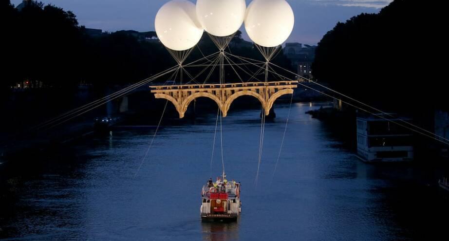 Фото дня: летающий мост