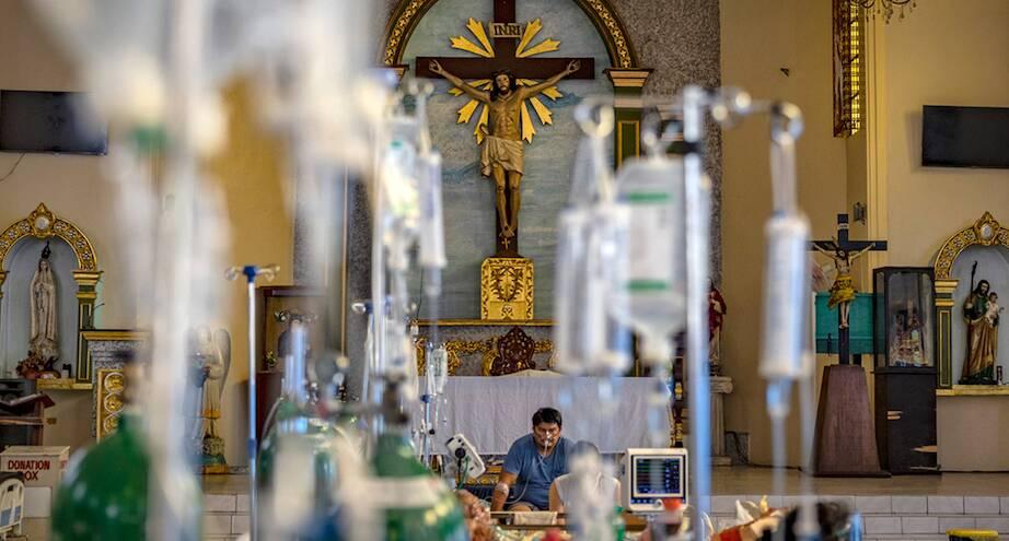 Фото дня: часовня, ставшая временным госпиталем